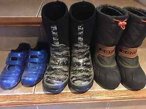3 pairs of Boys size 2 boots and soccer cleats all for $15