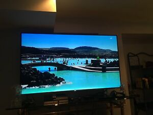Suhd 60' smart tv Samsung quantum dot
