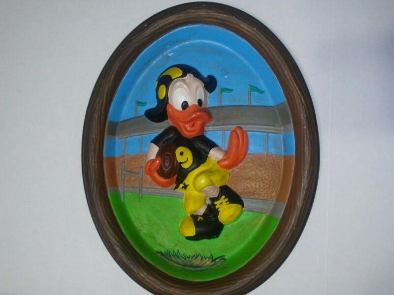 Walt Disney's Donald Duck Playing Football Vintage 3-D Wall Plaque 12×10 (F1)