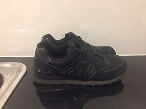 New Balance 574 Size US9 Essendon Moonee Valley Preview