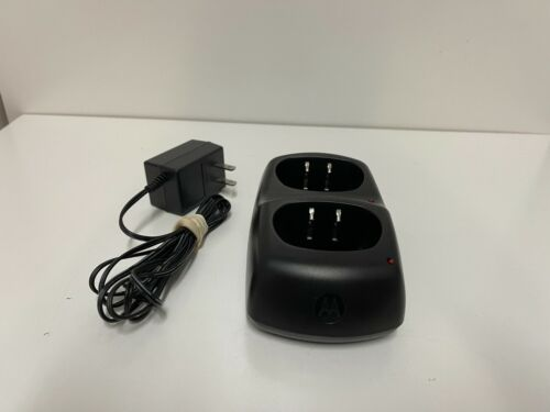 Motorola CH610E Battery Charger Two Gang Dual Charging Dock w/ AC Adapter TESTED
