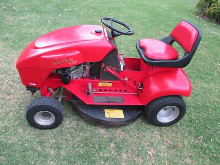 COX RIDE ON MOWER Killabakh Greater Taree Area Preview