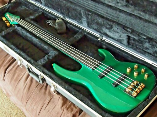 Carvin  LB   Bass Guitar 4 String