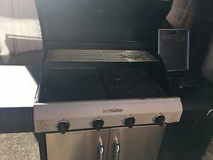 Bbq in excellent condition****MOVING SALE MUST GO Asquith Hornsby Area Preview