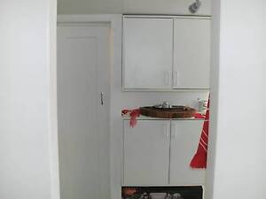 Furnished flat for rent, cute, clean and close to the beach Mount Eliza Mornington Peninsula Preview