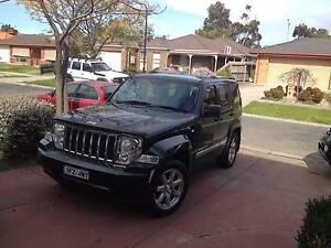 2010 Jeep Cherokee Wagon Regoo and RWC full history book service Roxburgh Park Hume Area Preview