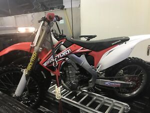 2011 CRF450R Fuel Injected Immaculate Condition!!!!