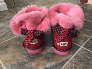 $130 NEW UGG boots size US7