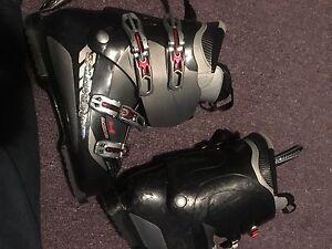 Solomon ski boots. Men's. Size 30
