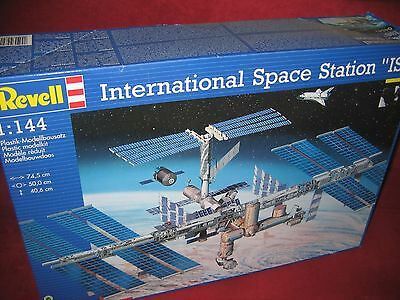REVELL® 04841 1:144 INTERNATIONAL SPACE STATION ISS NEU OVP