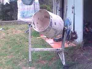 Cement mixer Frankston Frankston Area Preview