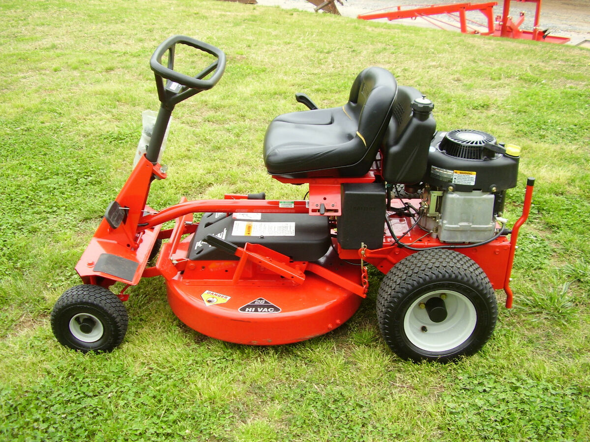 New Display Snapper Rear Engine Riding Mower 28 Inch Hi