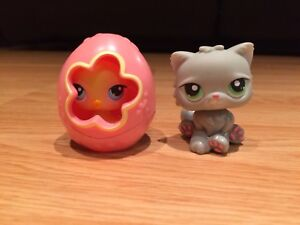 Littlest Pet Shop Pet Pairs Chick and Persian Cat #81, 82 (2006)