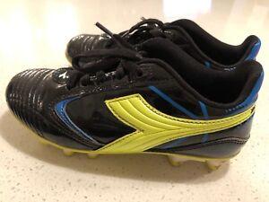 Paire de souliers de soccer à vendre