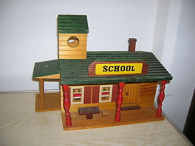 """DDR Westernhaus """"Schule School"""" für Indianer & Cowboy Figuren ca. 70er Jahre"""