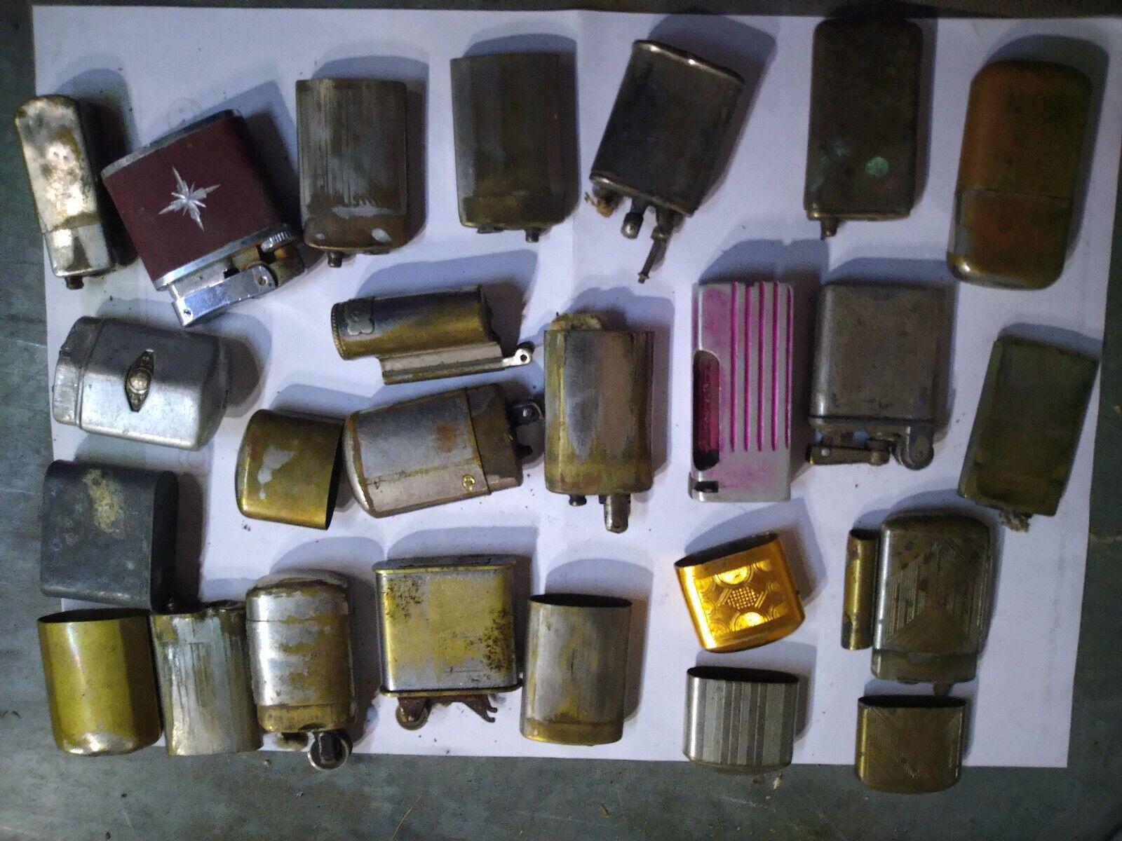 Lot de briquets anciens pour pieces ou a restaurer