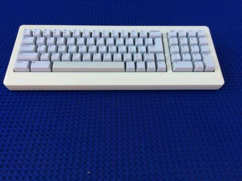 Vintage Apple Macintosh Computer Mac Plus 1989 Keyboard Tested  USA M0110A
