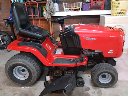 Rover Clipper ride on mower with trailer