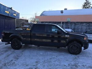 2005 Ford F150 5.4 XLT 4x4 V8 NOIR 6 places