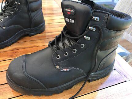 Mack work boots