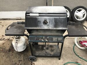 BBQ in great working condition delivery available