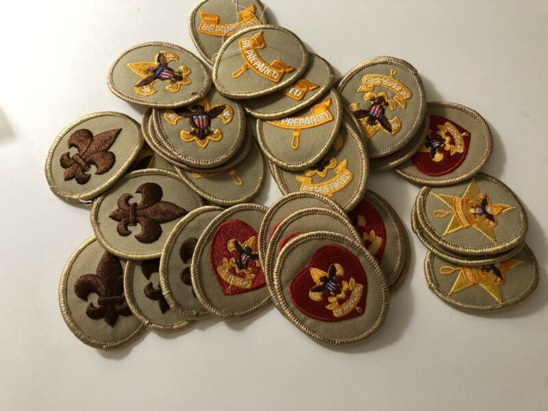 lot of 32 boy scouts patches ranks