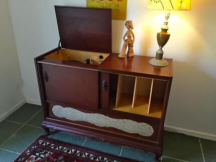 VINTAGE RADIOGRAMME/RECORD PLAYER. Electrosound Saba Dual 101A Byron Bay Byron Area Preview