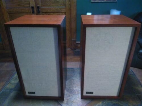 KLH 6 Vintage Speakers Restored Beautiful Work Perfect
