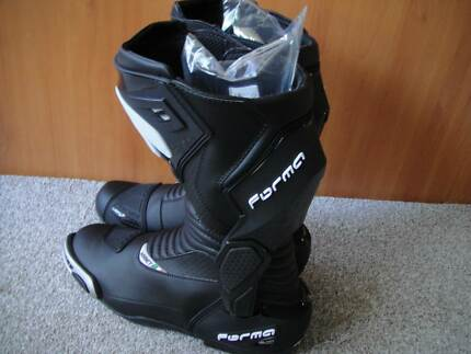 2017 forma hornet motorcycle boots, new with tags 14