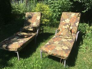 Outdoor Lounge Chairs with Cushions