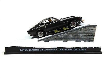 Aston Martin V8 James Bond 007 Living Daylights - 1:43 Diecast Model Car DY014