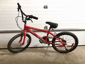 Kids supercycle bmx with pegs