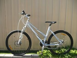 Dual disk brake Giant bicycle for sale Belmont Belmont Area Preview
