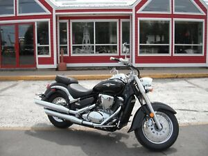 2015 SUZUKI BOULEVARD C50 / VL800 - 800CC!! LIKE-NEW NEVER DRIVE