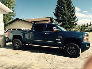 2015 Chevy 2500 High Country Durmax Diesel