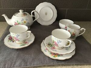 """Queen Anne """"Old country spray"""" tea set"""