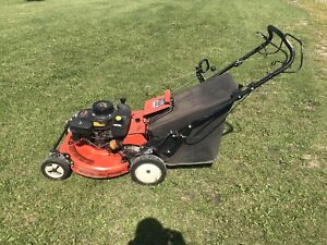 Ariens Self Propelled Commercial Mower