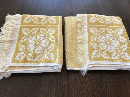 SET OF 2 VINTAGE RETRO MARTEX BATH TOWELS ~ HARVEST GOLD
