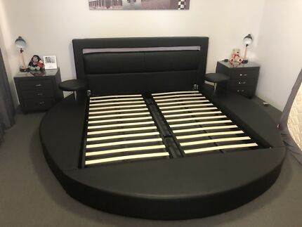 King size modern bed 100% leather