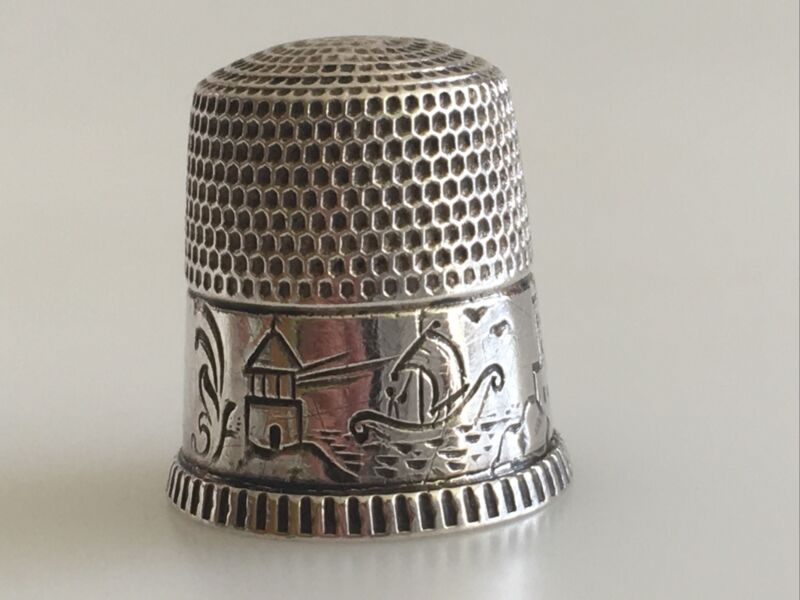 American USA Sterling Silver Thimble Size 8 WAITE Thresher & CO Water Scene