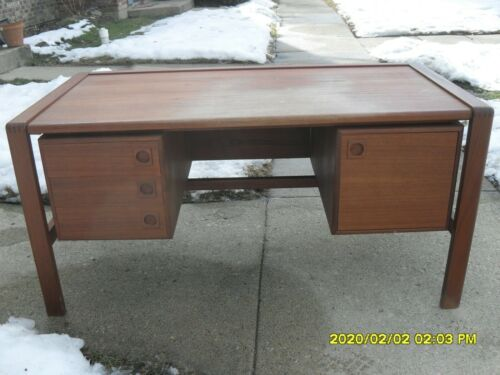 1960s mid century desk H.P.HANSEN made in denmark wood vintage danish vintage