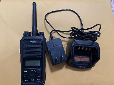 Hytera Pd562 U1 400-470mhz Uhf 16ch Two Way Radio W Charger Antenna Clip Mint