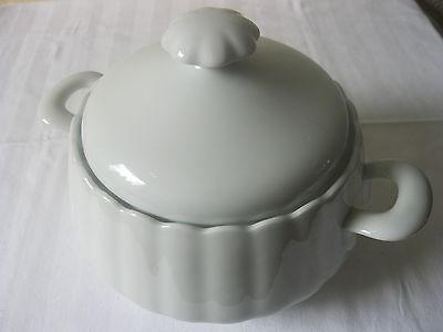 Alte Porzellan Suppen Terrine / Schüssel mit Deckel weiß - Soupiere - 2,5 l