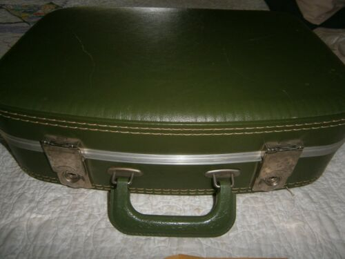 """Vintage Hard Green Vinyl Small Overnight Cosmetic Carry -on SUITCASE 16""""x12""""x4"""""""