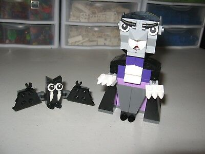 LEGO 2016 HALLOWEEN VAMPIRE AND BAT FOR DECORATIONS (Vampire Toys For Kids)