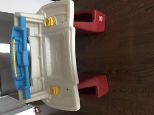 Excellent condition kids drawing table