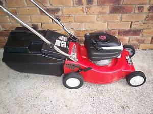 4 STROKE,SERVICED LAWN MOWER WITH CATCHER! Runcorn Brisbane South West Preview