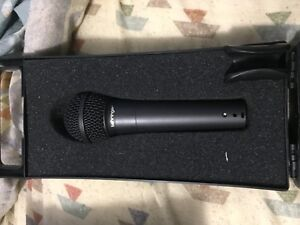 Behringer Ultravoice XM8500 Dynamic Microphone