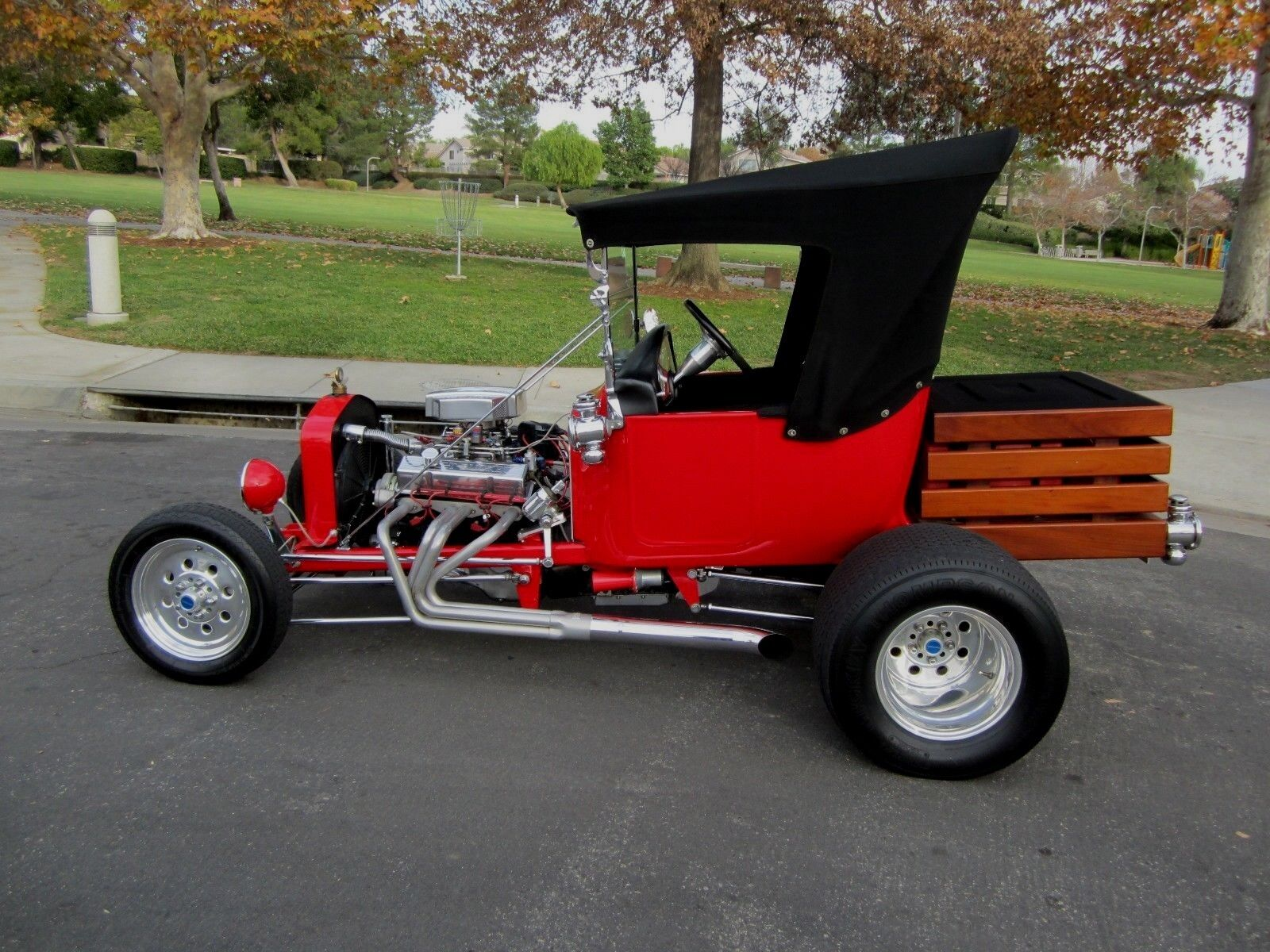 1917 Ford Model T  1917 FORD T BUCKET VINTAGE HOT ROD 400 SMALL BLOCK CHEVROLET