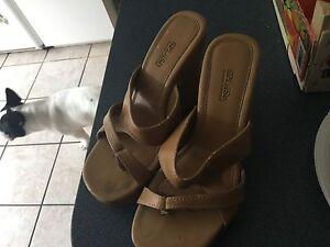 Splash woman's footwear paid 80